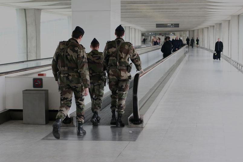 Solutions contrôle acces locken pour le secteur militaire